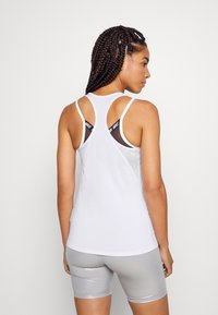 Nike Performance - DRY BALANCE - T-shirt sportiva - white/black - 2