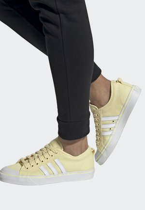 NIZZA SHOES - Sneakers - yellow