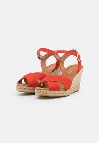 Minelli - Korkeakorkoiset sandaalit - coquelicot - 2