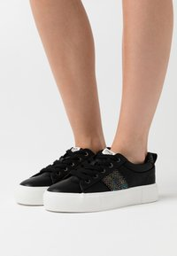 ONLY SHOES - ONLLIV - Sneakers laag - black - 0