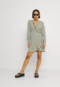 ONLY - ONLCARLY WRAP SHORT DRESS - Kjole - seagrass - 1