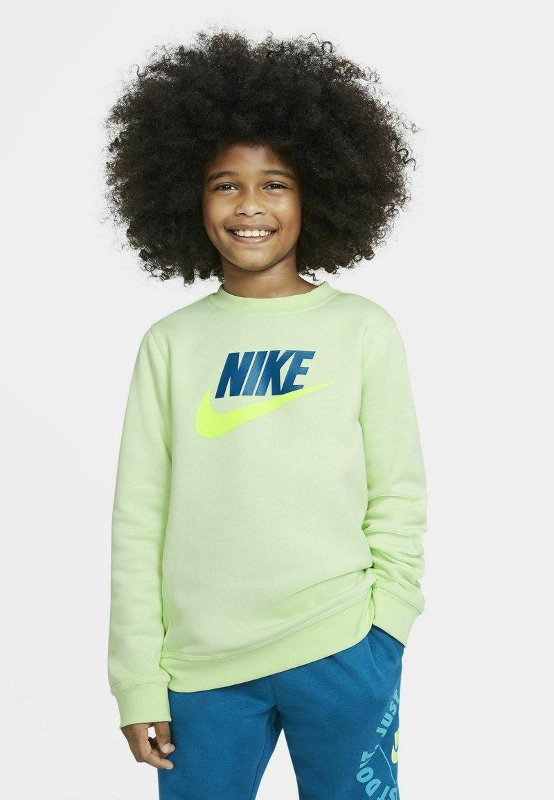 Nike Sportswear - CLUB CREW - Sudadera - light liquid lime