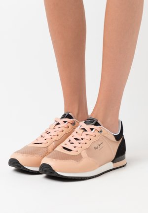 ARCHIE NOON - Trainers - dark peach