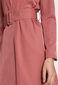 UNIQUE 21 - CREPE BELTED PUFF SLEEVE DRESS - Sukienka letnia - rose - 4