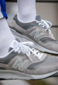 New Balance - CM 997 - Trainers - marblehead - 7