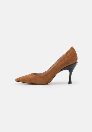 TONIC - Classic heels - medium brown