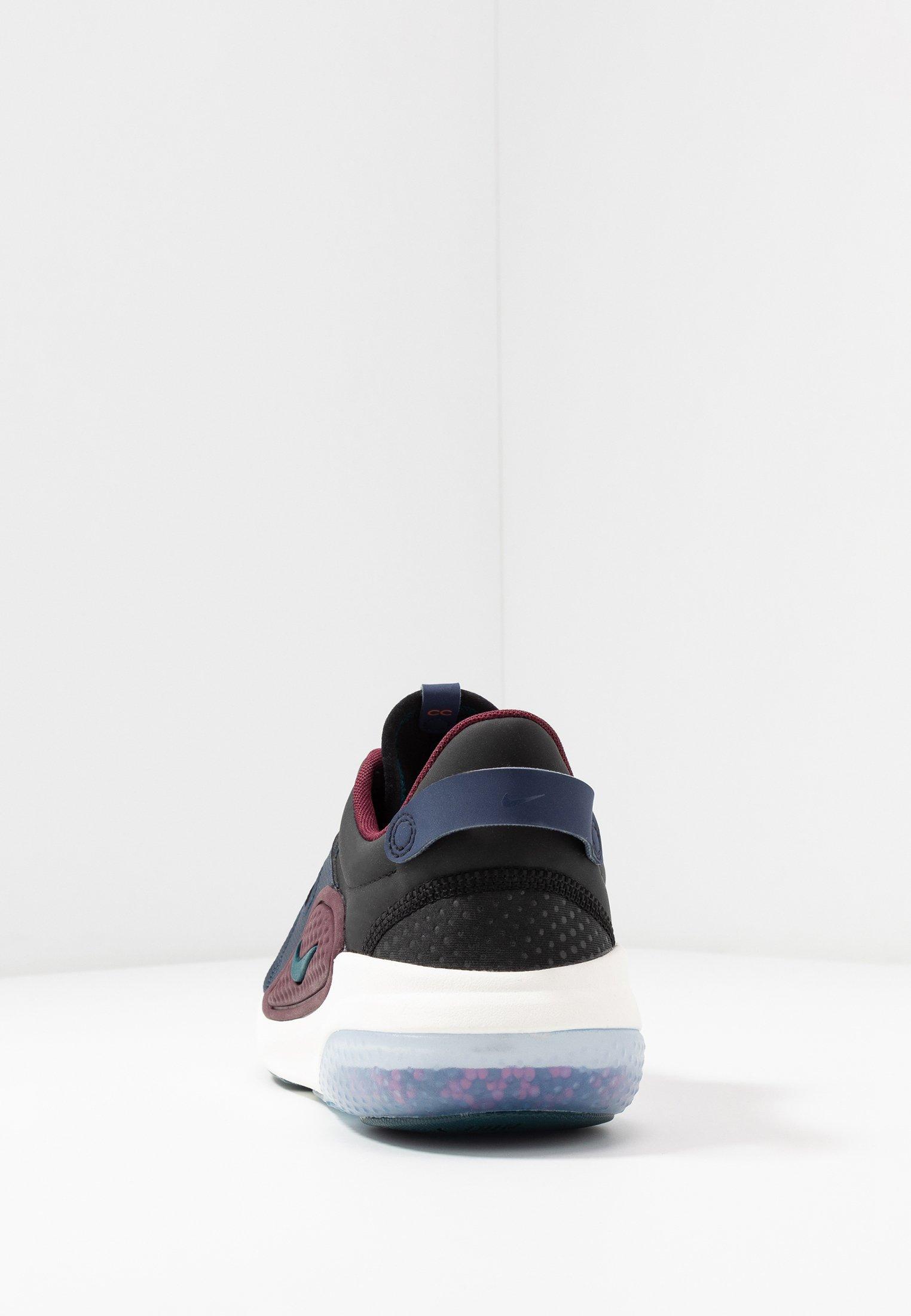 Nike Sportswear JOYRIDE Joggesko blackstarfishmidnight