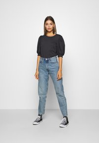 ONLY - ONLSASHA PUFF - Print T-shirt - black - 1