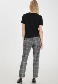 Fransa - T-shirts basic - black - 2