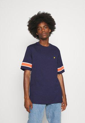 INSERT - T-shirt med print - navy