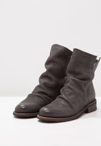 Felmini - GREDO - Classic ankle boots - under - 3