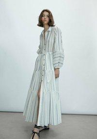 Massimo Dutti - STREIFEN - Maxi dress - white - 0