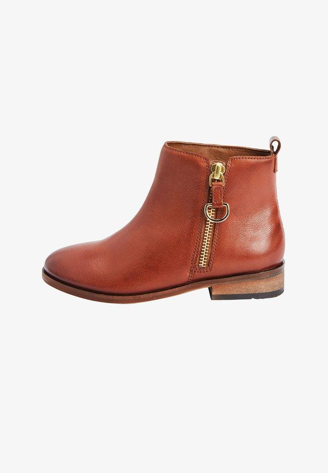 CHELSEA  - Korte laarzen - brown