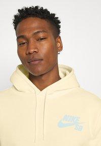 Nike SB - ICON HOODIE UNISEX - Hoodie - coconut milk/light dew - 4