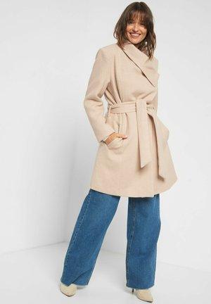 TAILLIERTER - Short coat - beigegrau