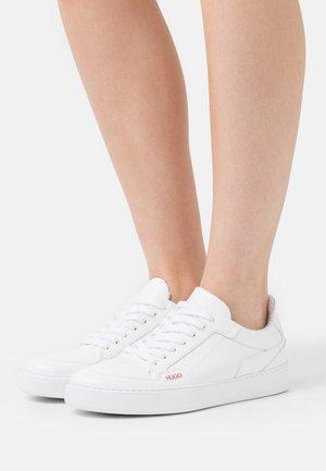 VERA - Trainers - white