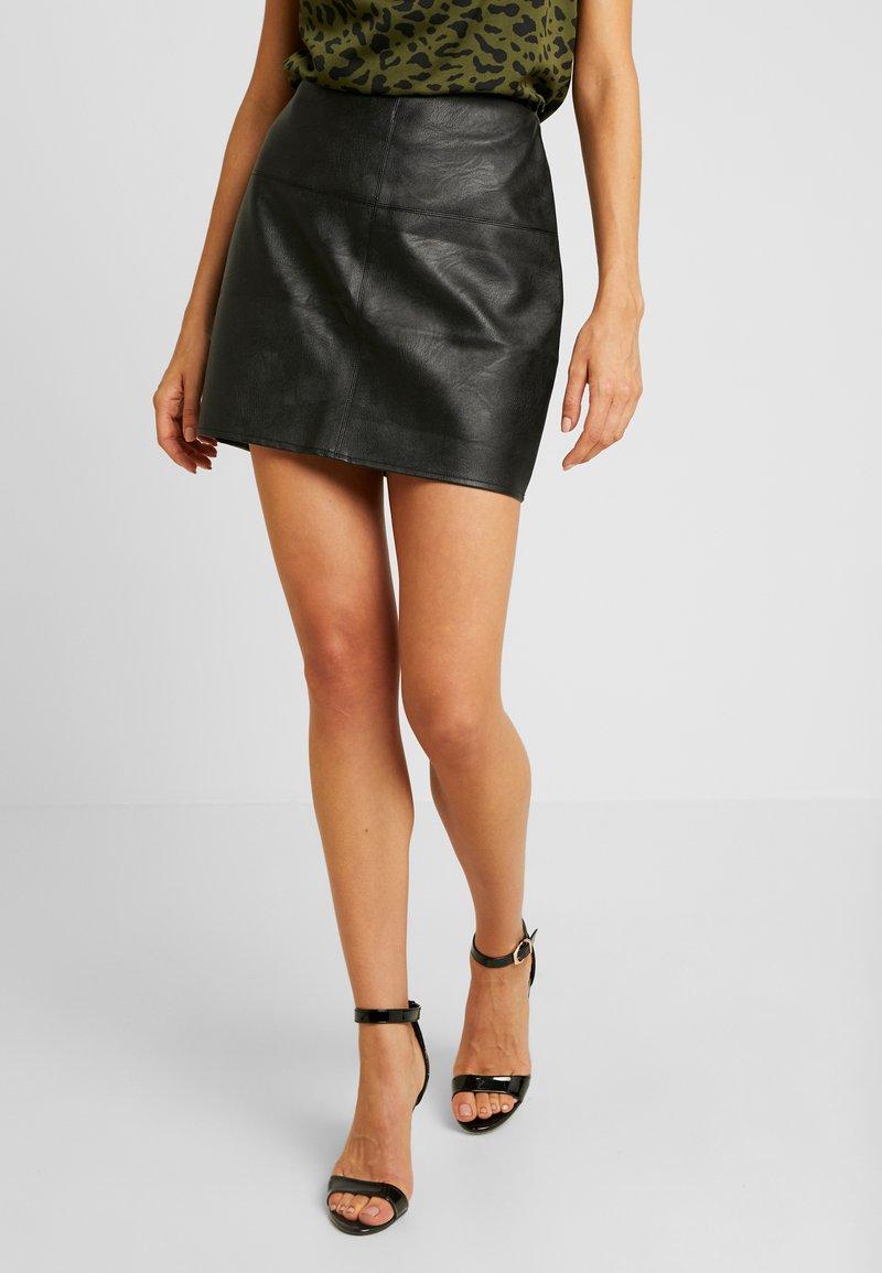 Missguided - FAUX SKIRT - Pouzdrová sukně - black