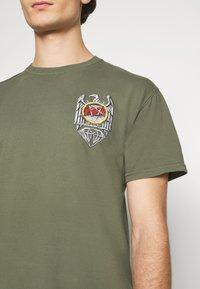 Diamond Supply Co. - BRILLIANT ABYSS TEE - T-shirt z nadrukiem - sag - 4
