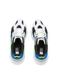 Puma - RS-X³ PUZZLE SOFT - Trainers - white-electric blue lemonade - 1