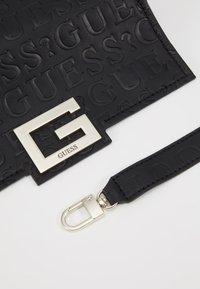 Guess - Handbag - black - 6
