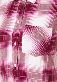 GAP - DRAPEY PLAID  - Skjorte - raspberry/milk - 2