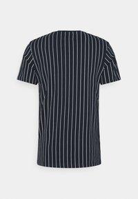 Nerve - SAMIR STRIPE TEE - Print T-shirt - navy - 1