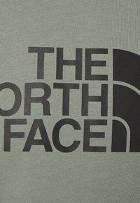 The North Face - RAGLAN EASY TEE - Triko spotiskem - agave green - 5