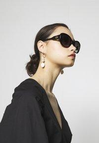 Michael Kors - Sluneční brýle - black - 1