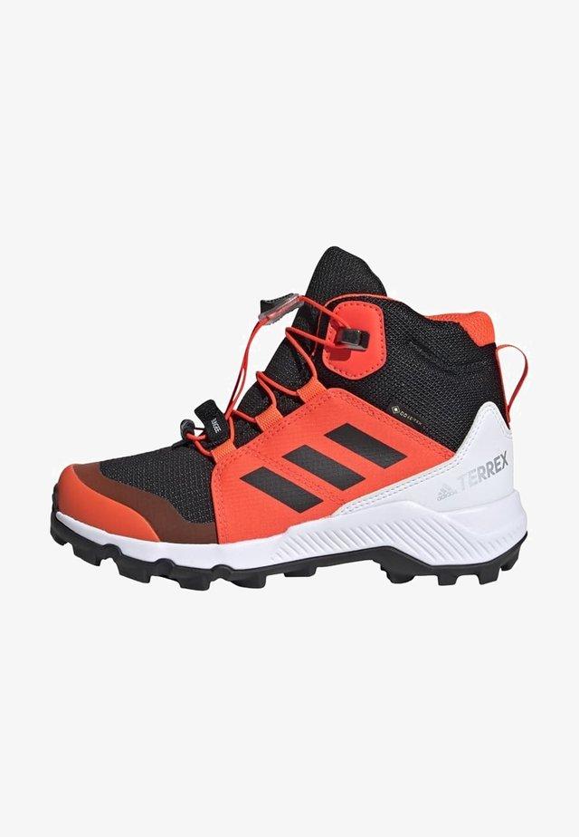 TERREX MID GORE-TEX - Chaussures de marche - cblack/cblack/solred