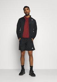 adidas Performance - FREELIFT AEROREADY TRAINING SHORT SLEEVE TEE - Jednoduché triko - scarlet melange/black - 1