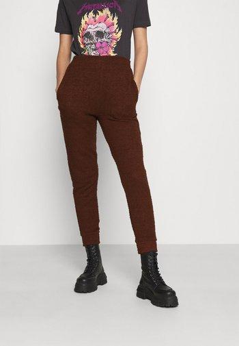 FLUFFY JOGGER - Trousers - mocha