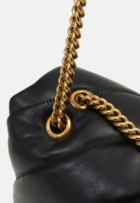 Pinko - LOVE BIG MAXI QUILT - Handbag - black - 3