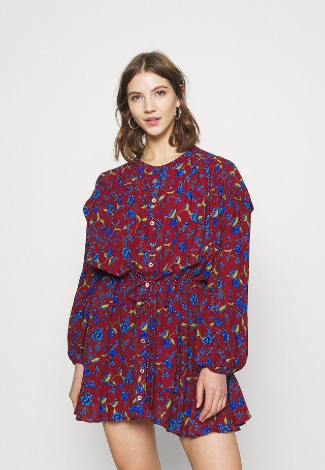 FLOWER FIELDS MINI - Vestido informal - burgundy combo