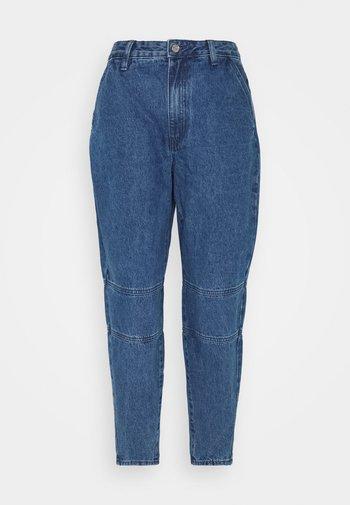HIGH WAISTED BAGGY CARROT - Straight leg jeans - blue