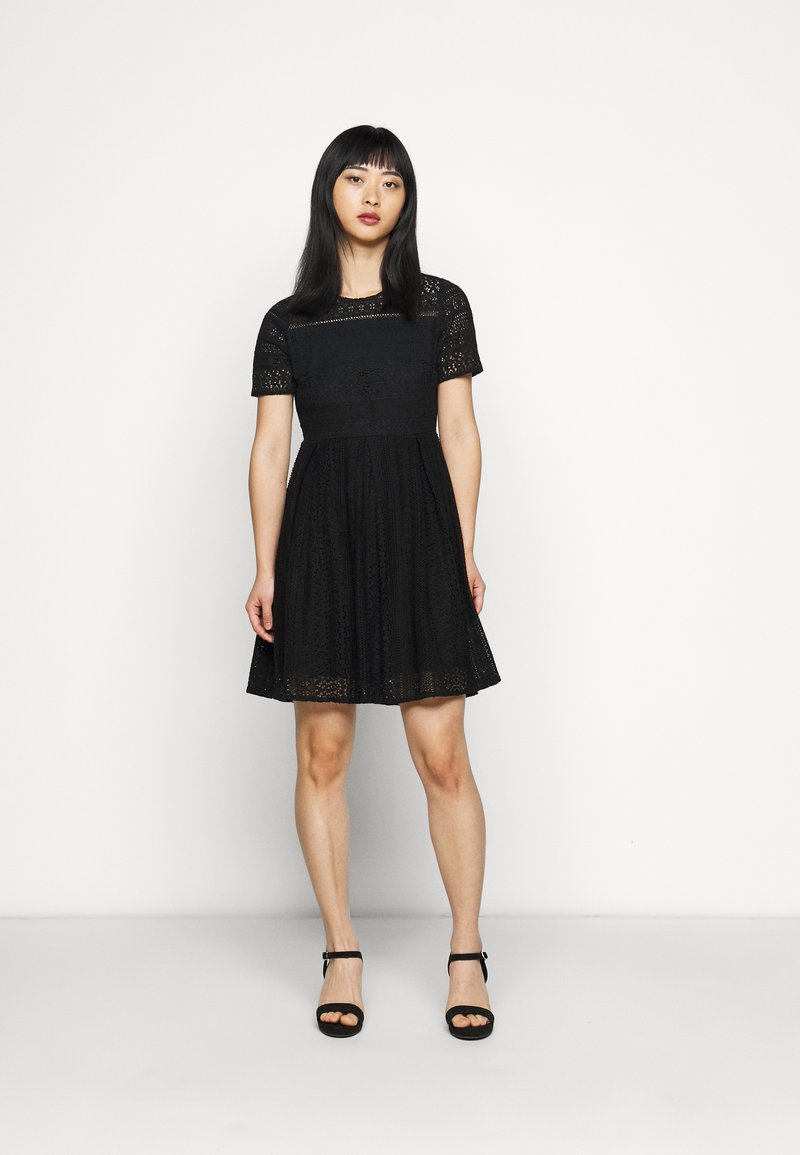 Vero Moda Petite - VMHONEY LACE PLEATED DRESS  - Cocktail dress / Party dress - black