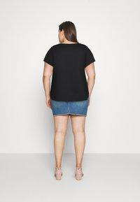 Nike Sportswear - TEE PLUS - Basic T-shirt - black - 2
