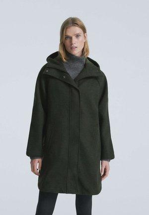 LONGLINE PLUSH J - Short coat - evergreen