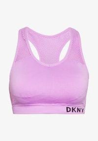 LOW IMPACT STRAPPYSEAMLESS BRA - Light support sports bra - rosebud