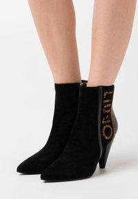 Liu Jo Jeans - SUZIE  - High heeled ankle boots - black - 0