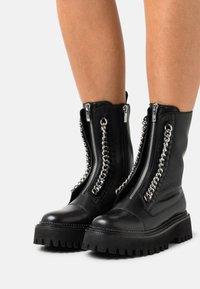 Copenhagen Shoes - ROCK & ROLL - Platåstøvletter - black - 0