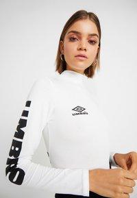Umbro Projects - UMBRO CARA WOMEN - Bluzka z długim rękawem - bright white/stretch limo - 5
