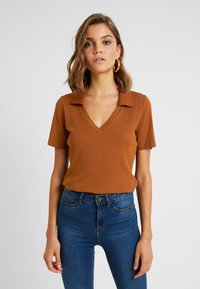 Monki - MARGOT - Basic T-shirt - rust - 0