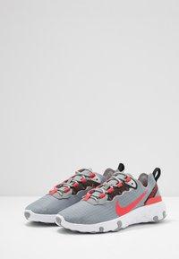 Nike Sportswear - RENEW 55 - Sneakers laag - particle grey/track red/grey fog/black - 3