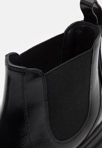 Red V - BOOTIE - Kotníkové boty na platformě - nero - 6