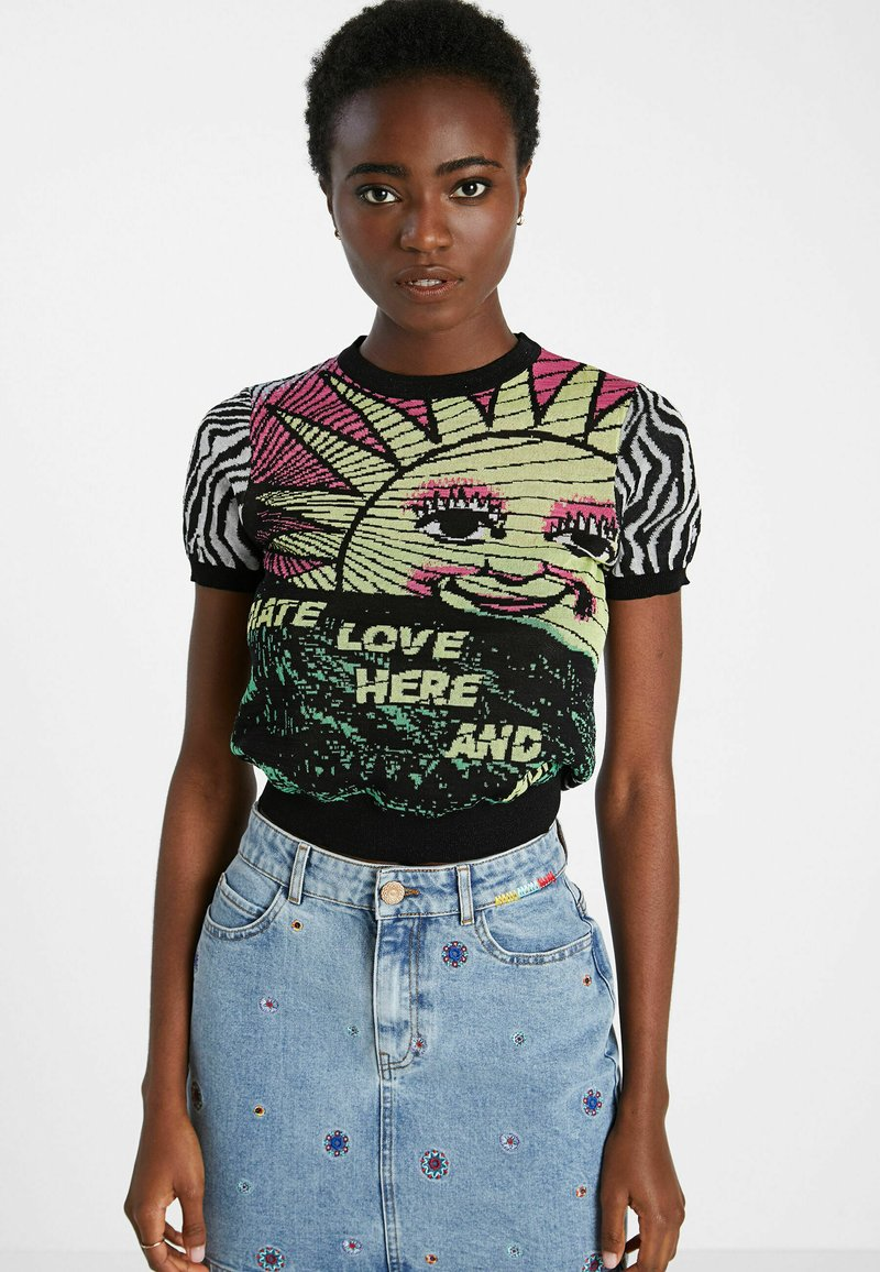 Desigual - ZEBRA  - Print T-shirt - black
