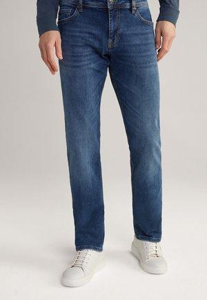 FORTRES - Straight leg jeans - mittelblau