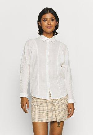 VOLUME SLEEVE SHIRT - Button-down blouse - white canvas