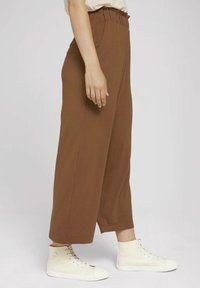 TOM TAILOR DENIM - PAPERBAG CULOTTE WITH POCKETS - Trousers - amber brown - 3