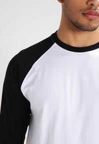 Urban Classics - Long sleeved top - white/black - 3