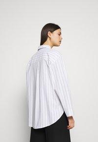 ARKET - Blouse - Pyjamasöverdel - white light - 2